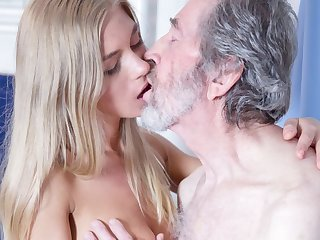 Aged Man Torn up Young Blonde Teen Blowjob Doggystyle and Cums